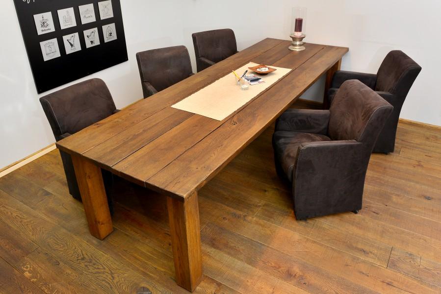 Holztisch aus Parkett